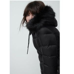 Down Jacket with Faux Fur Hood Size M NWT